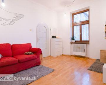 PALÁRIKOVA, 1-i byt, 55 m2 - PODKROVIE 70 m2, rekonštrukcia, KULTÚRNA PAMIATKA, tehla, TERASA