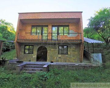Priestranná murovaná chata s výhľadom na Ipeľskú kotlinu - Ipeľské Predmostie