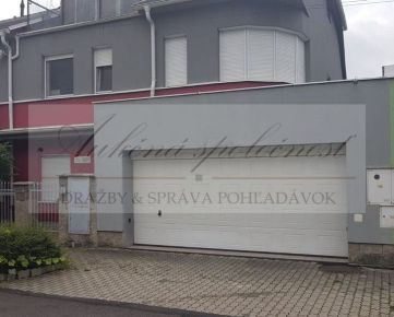 NIŽŠIA CENA! Opakovaná dražba 4-izbového bytu v Bratislave - m.č. Devínska Nová Ves! Bazén! Záhrada!
