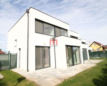 Na prenájom klimatizovaný, moderný 4 izbový rodinný dom v novostavbe vo Vajnoroch