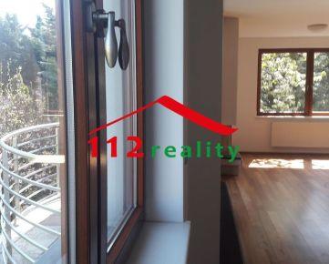 112reality - Na prenájom 4 izbový byt, 2 bakóny, garáž, Staré mesto, blízko Horského parku