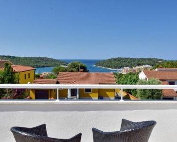 Apartmánový dům se zahradou poblíž moře, Banjole, Chorvatsko