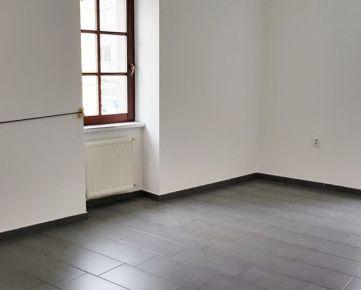 ID 2281  Prenájom: kancelária, centrum, 45 m2