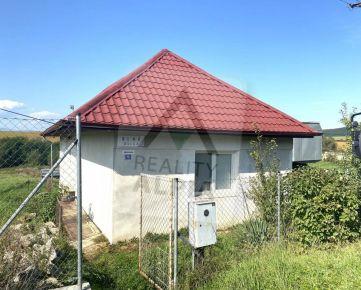 Rodinný dom s pozemkom na predaj, Čerhov