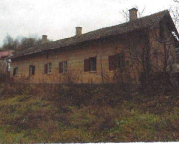 NOVÉ - Tri samostatné bytové jednotky v trojdome v okrajovej časti mesta Tisovec