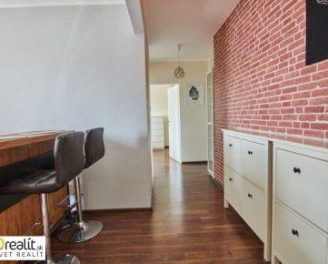 Vzdušný 2 izbový byt s loggiou 60,57 m2, Družba, J.Slottu