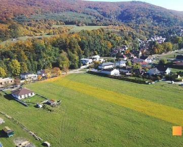 Predaj stavebného pozemku 3888 m2 v tichej a pokojnej časti Borinky.
