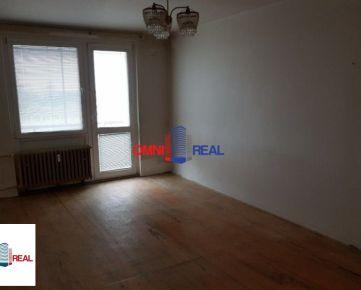 Veľký 2 izb. byt, Šándorova ul., 62 m2, 7/7 s balkónom a komorou