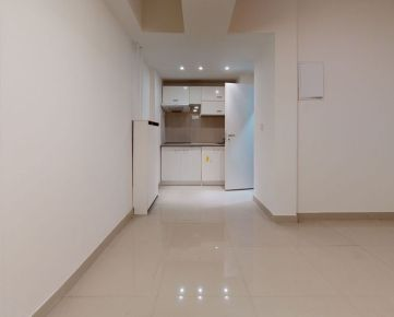 CASMAR RK - * VIDEO OBHLIADKA * Topoľčianska ul. - Zrekonštruované skladové priestory - 37,48m2