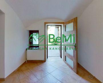 Ponúkame na prenájom komerčné priestory v úplnom centre mesta Prešov 003-25-RAS