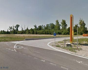 Ackerman & Wolff ponúka na predaj pozemok pre občian. vybavenosť o výmere 0,5ha Bratislava - Vajnory