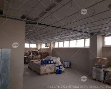Na predaj plne zrekonštruovaný polyfunkčný komplex o rozlohe 1.700 m2 , Rajec.