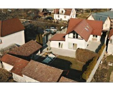 Nadštandardný 4 izbový Rodinný dom, obec Malinová, pozemok 700 m2