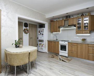 Na predaj 3 izbový byt v Šamoríne, kompletná rekonštrukcia, ul. Čilistovská, exkluzívne iba u NÁS v RK