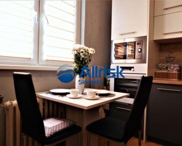 Pekný 2 izbový byt s balkónom pri stanici v Nových Zámkoch- REZERVOVANÝ