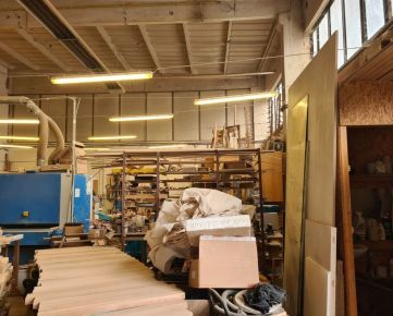 prenájom priemyselnej haly o výmere 213 m2, na Skladovej ulici v Trnave