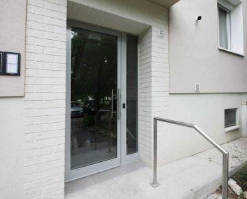 RUŽINOV - Stropkovská - garsónka 27 m2 - v blízkosti Štrkoveckéh jazera, PIVNICA, ihneď k dispozícii