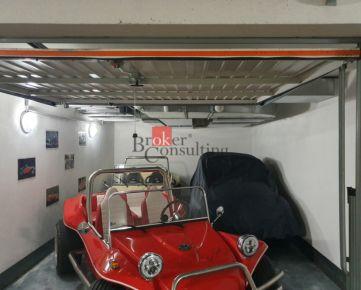 Priestranná  chránená garáž Petržalka na predaj, v novostavbe