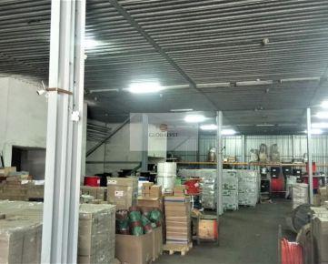 Skladový priestor s kanceláriou a šatňami, v podnikateľskom areáli. s celkovou výmerou : 804 m2.