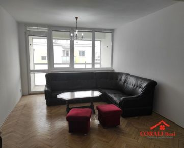 Prenájom 4 izbového bytu, Vietnamská ul., Bratislava-Trnávka