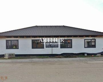 ARTHUR - Moderný bungalov v dvojdome, obľúbená lokalita Slovenský Grob - Malý Raj