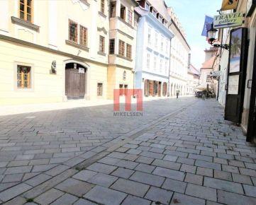 Na prenájom priestorovo bohatý polyfunkčný priestor na Panskej ulici
