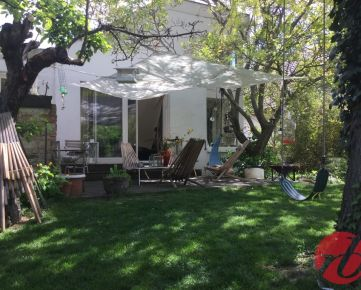 Na predaj  veľkorysý rodinný dom, bazén, pozemok o výmere 1270 m2