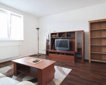 Zrekonštruovaný 2i byt na prenájom v Novom Meste