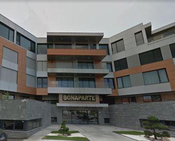 Ackerman & Wolff ponúka na prenájom 3-izbový byt v komplexe Bonaparte -  Bratislava - Staré Mesto