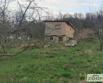 Šidlovec - záhrada so záhradnou chatkou, 548m2