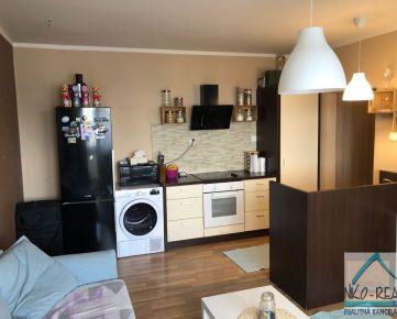 Predaj zrekonštruovaného 1,5 izbového bytu s balkónom, ulica Rajecká, BA II - Vrakuňa