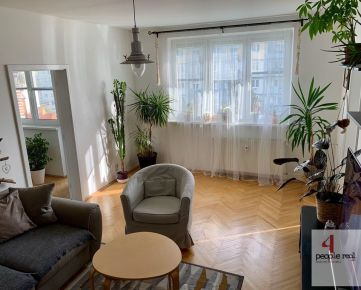 Predaj MODERNÝ 2 izbový byt s loggiou a balkónom v Ružinove, komplet zrekonštr., podlahové kúrenie v kúpeľni, tichá, zelená lokalita, aj so zariadením, Exnárova ul. Treba vidieť